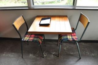 101201椅子とブランケット.JPG